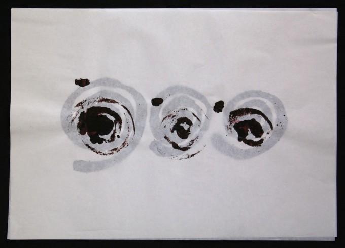 día 04 - 2010 - acrílico sobre papel - 30 x 42 cm.