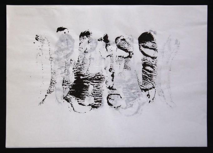 día 05 - 2010 - acrílico sobre papel - 30 x 42 cm.